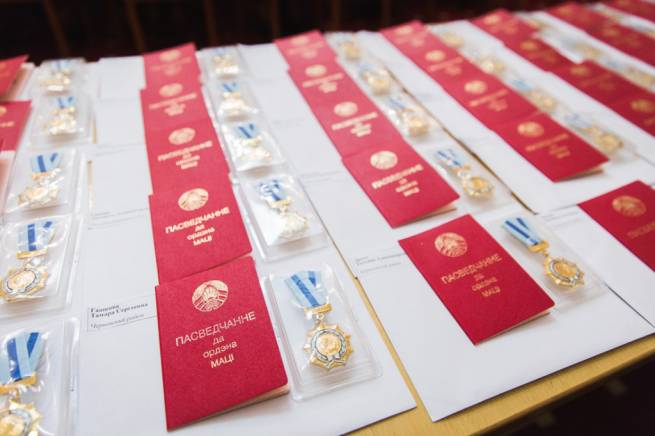 Alexander Turchin presented state awards to mothers of many children in Minsk Oblast
